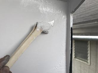 軒天材を塗装して防水性確保