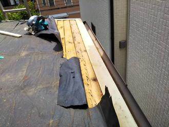 軒先の木材を交換