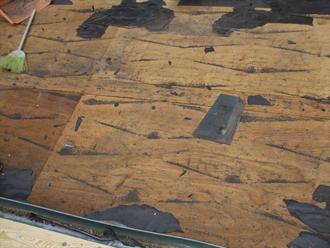 屋根材を撤去して見えてきた