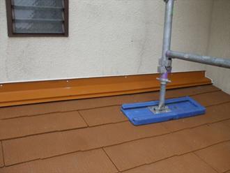 1回屋根に屋根材を葺きます