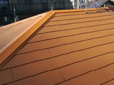 品川区荏原にて傷んだスレート屋根をコロニアルクァッドで屋根葺き替え工事を行いました、施工後写真