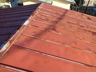 錆が目立つトタン屋根