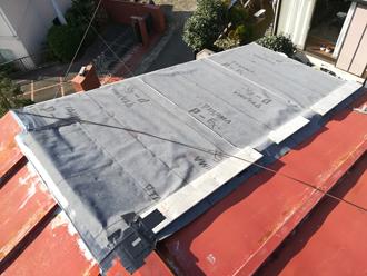 完璧に養生された瓦棒屋根