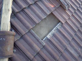 セメント瓦の破損