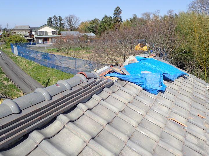 屋根瓦の倒壊