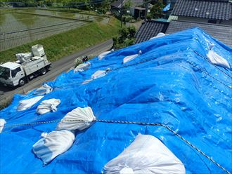 君津市箕輪で令和元年東日本台風によって破損したセメント瓦屋根を、コロニアルでの屋根葺き替え工事で改善、施工前写真