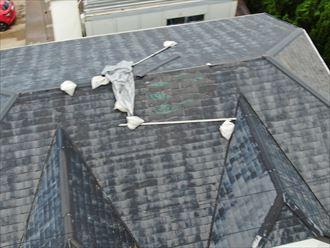 富津市岩瀬で東日本台風で被害を受けた屋根を、コロニアル葺き替え工事を行いました、施工前写真