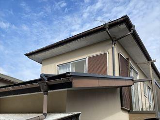 2階建て住宅の軒天