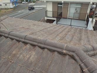 木更津市畑沢でセキスイ瓦Uから縦葺き屋根材スタンビーへの屋根葺き替え工事を行いました、施工前写真